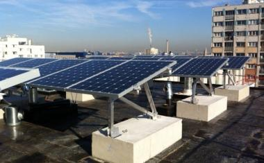 centrale photovolta que en toiture terrasse pour paris habitat. Black Bedroom Furniture Sets. Home Design Ideas